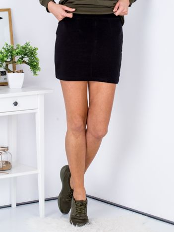 Czarna dresowa spódnica mini