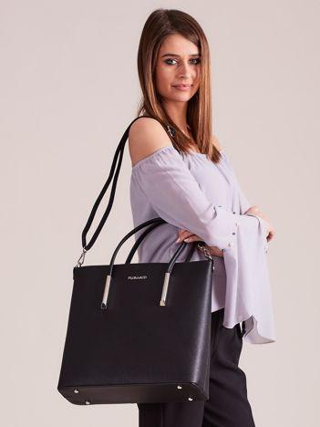 Czarna elegancka torba z odpinanym paskiem