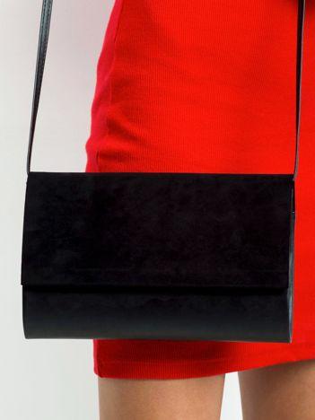 Czarna kopertówka z eko zamszową wstawką