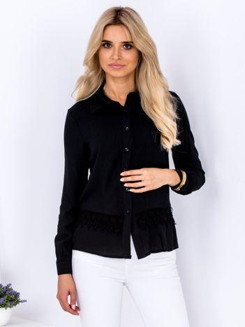 Czarna koszula z koronkową lamówką
