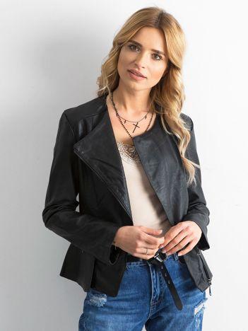 Czarna kurtka ze skóry ekologicznej