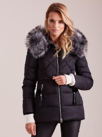 Czarna kurtka zimowa z futerkiem