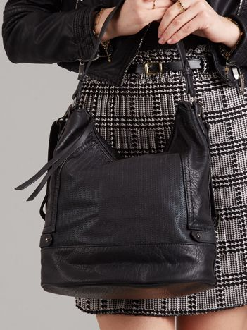 Czarna miejska torba