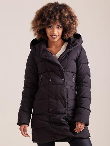 Czarna pikowana kurtka zimowa