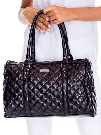 Czarna pikowana torba damska