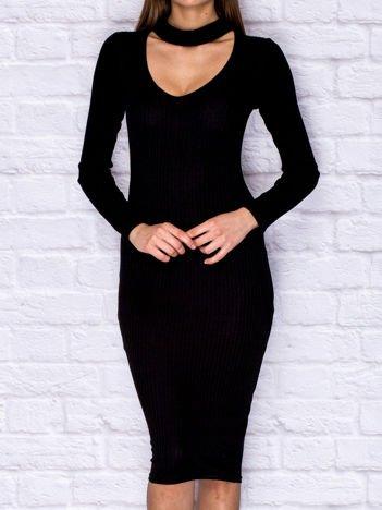 Czarna prążkowana sukienka dzienna z półgolfem