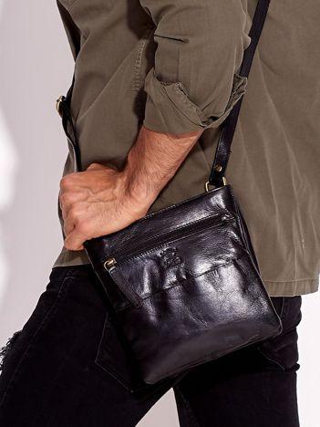 Czarna skórzana torba męska z dzielonymi komorami