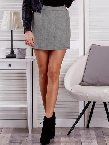 Czarna spódnica mini w jodełkę