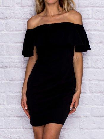 Czarna sukienka koktajlowa z szeroką falbaną przy dekolcie