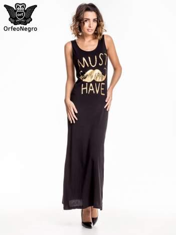 Czarna sukienka maxi z napisem MUST HAVE i motywem moustache