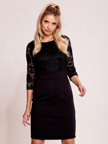 Czarna sukienka plus size z koronkową górą PLUS SIZE