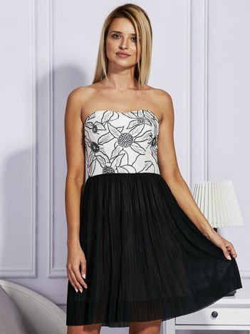 Czarna sukienka z haftowaną górą