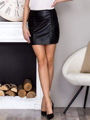 Czarna sznurowana spódnica damska
