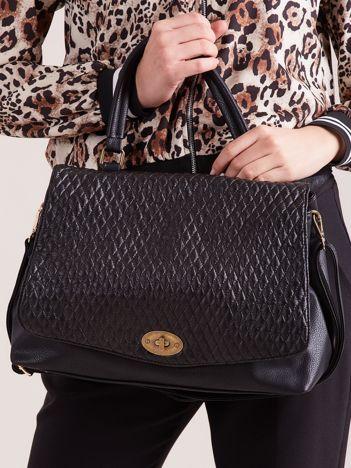 Czarna torba damska z pikowaniem