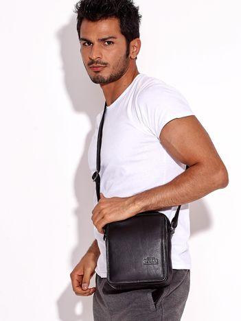 Czarna torba męska skórzana z klapką i kieszeniami