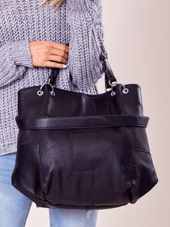 Czarna torba shopper z geometrycznymi modułami