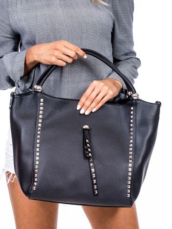 Czarna torba shopperka z ćwiekami