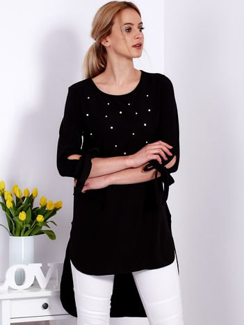 Czarna tunika z perełkami i wiązanymi rękawami