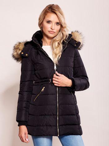 Czarna zimowa kurtka z kapturem