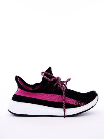 Czarne buty sportowe z fuksjowymi wstawkami