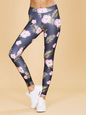 Czarne legginsy w kwiaty