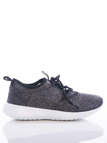 Czarne melanżowe buty sportowe na sprężystej podeszwie z ozdobnym sznurowaniem