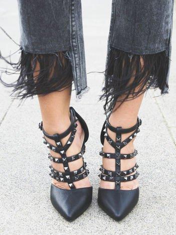 Czarne sandałki na szpilkach zapinane w kostce z ozdobnymi paseczkami i ćwiekami