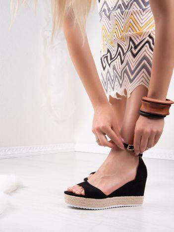 Czarne sandały SWEET SHOES na platformie i koturnach