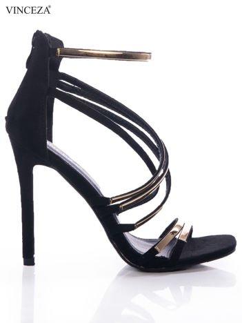 Czarne sandały Vinceza z ozdobnymi złotymi paskami, na szpilkach