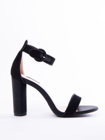 Czarne sandały na wysokim słupku z eco zamszu