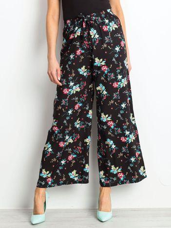 Czarne spodnie Bouquet
