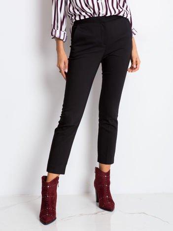 Czarne spodnie Chic
