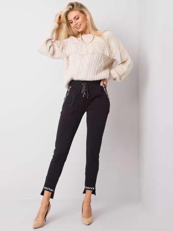 Czarne spodnie Happy