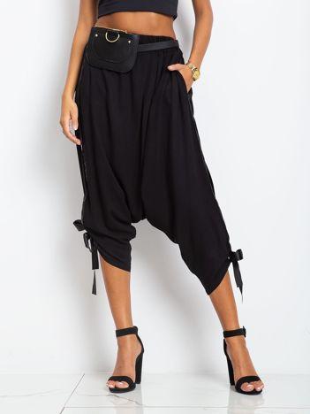 Czarne spodnie Kind