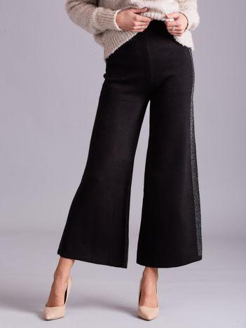 Czarne szerokie spodnie z dzianiny