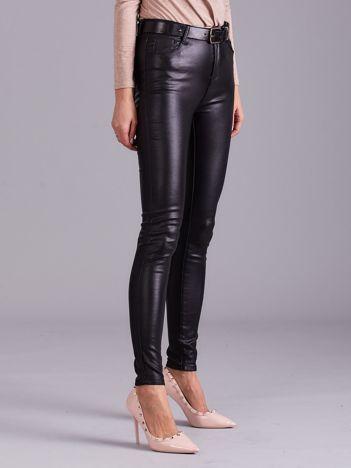 Czarne woskowane damskie spodnie skinny