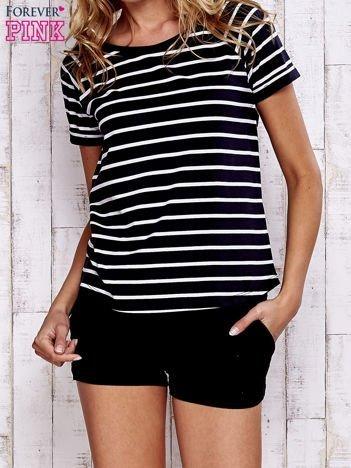 Czarno-biały t-shirt w paski