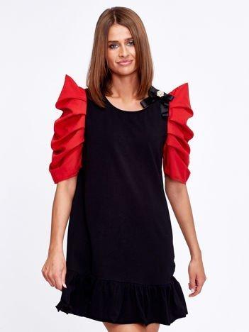 Czarno-czerwony strój wróżki