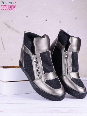 Czarno-srebrne sneakersy Agnes z suwakiem z boku, lakierowanymi wstawkami i materiełem z efektem glitter