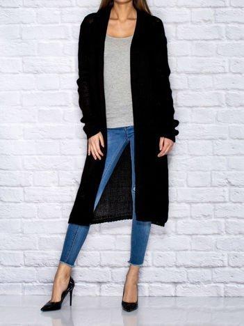 Czarny długi wełniany sweter