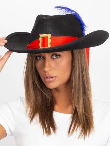 Czarny kapelusz muszkietera