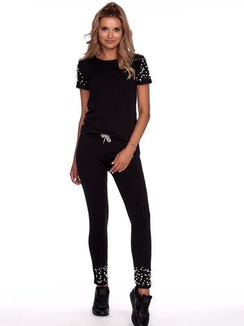 Czarny komplet z perełkami spodnie i t-shirt