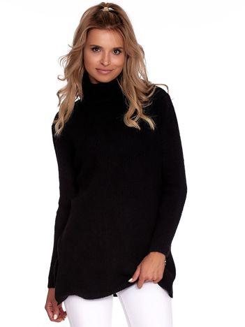 Czarny miękki sweter z golfem