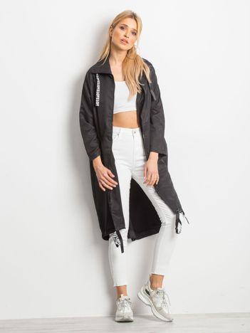 Czarny płaszcz Flatscreen