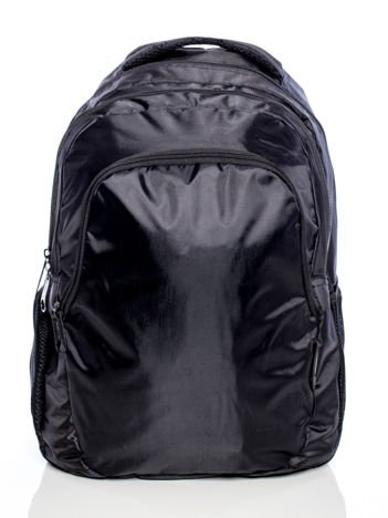 Czarny plecak szkolny z kieszeniami