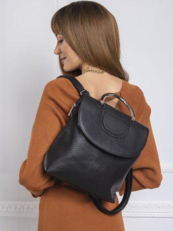 Czarny plecak z klapką