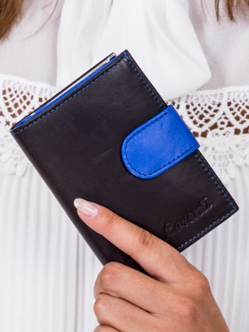 Czarny portfel damski z niebieską klapką