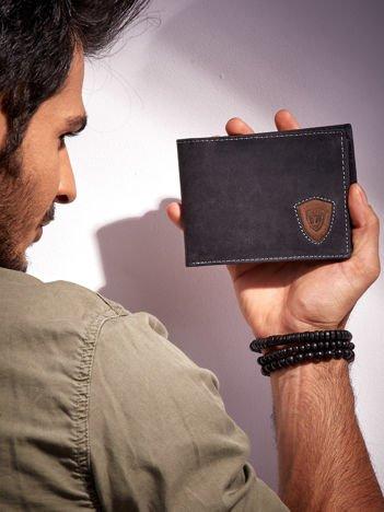 Czarny portfel męski ze skóry z emblematem