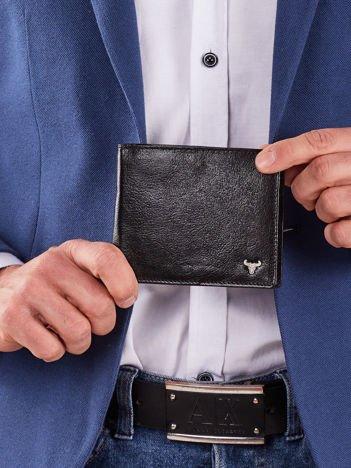 Czarny skórzany portfel poziomy