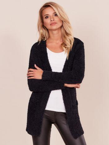 Czarny sweter damski bez zapięcia